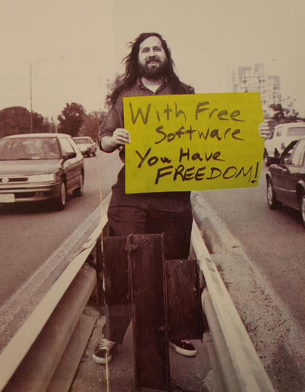 Richard Matthew Stallman (Özgür yazılım sayesinde özgürlüğünüz olur.)